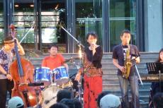 Plum Village Band さん