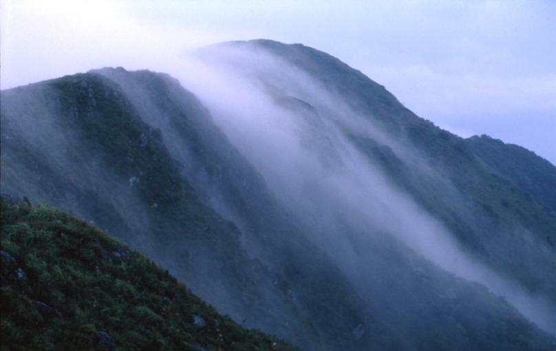 伊吹山滝雲01
