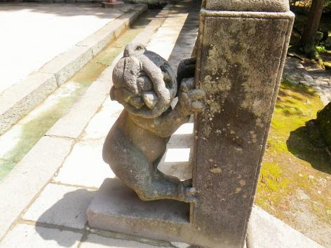 岩木山神社 狛犬 右