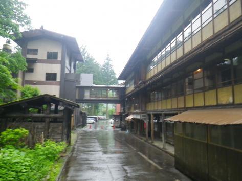 栃尾又温泉 雨