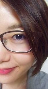 眼鏡でごまかす。
