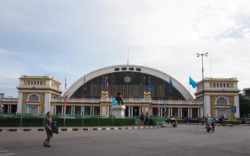 ■ Suvarnabhumi空港からHua Lumpong駅へ / ラオス国境越え その1