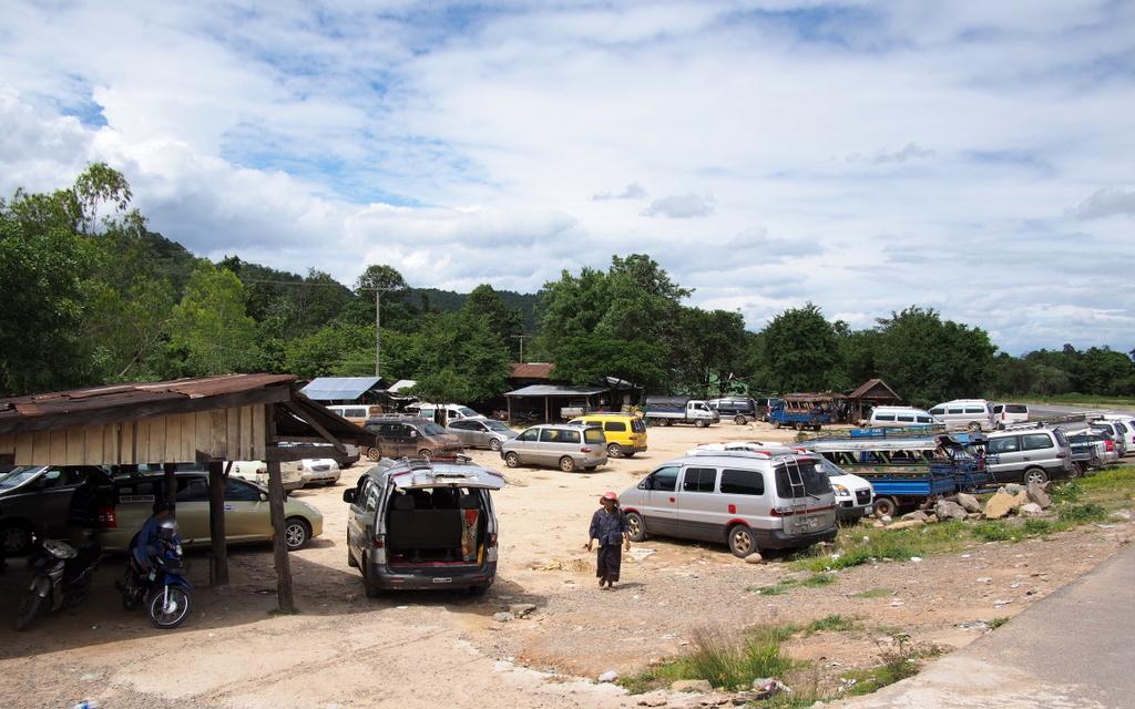 CrossBorderThai-Laos_1408-402.jpg