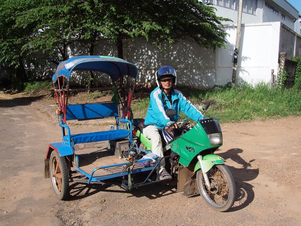 CrossBorderThai-Laos_1408-412.jpg