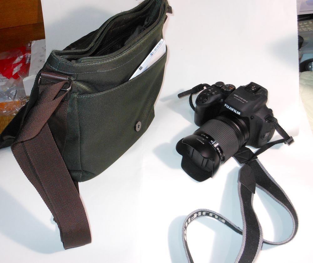 2014053102 FujiHS50 and Bag