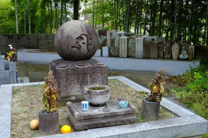 2014101691 西福寺無縁塔