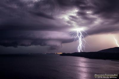Bv5zGAnIYAAFamDトリエステ湾(イタリア)