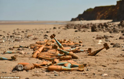 bombs-found-on-UK-beach.jpg