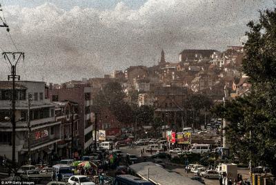 locust-swarm-madagascar.jpg