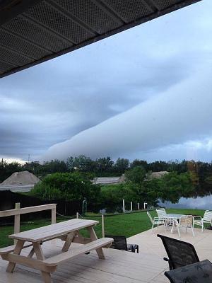 roll-cloud-over-venice.jpg