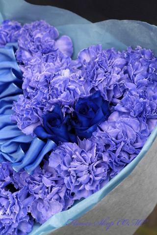 青い花 ハート かわいい  花束