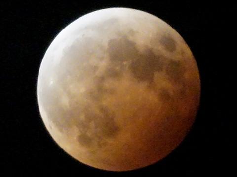 【皆既月食2014年10月08日】20時10分