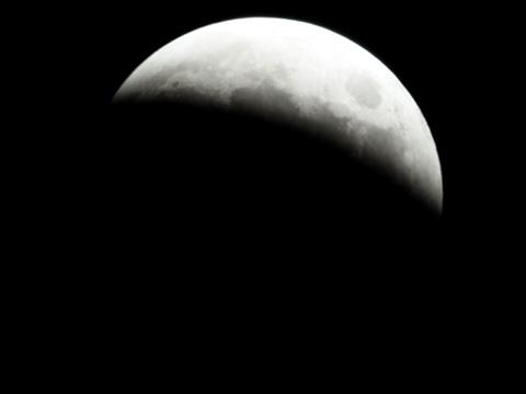 【皆既月食2014年10月08日】19時03分