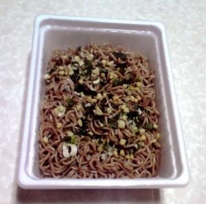 ペヤング ねぎ塩風味焼き蕎麦(できあがり)