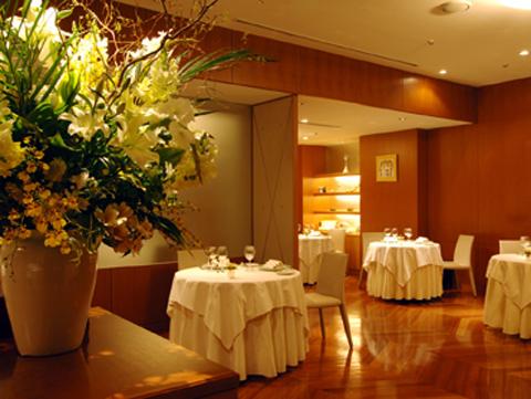 レストラン タテル ヨシノ 芝