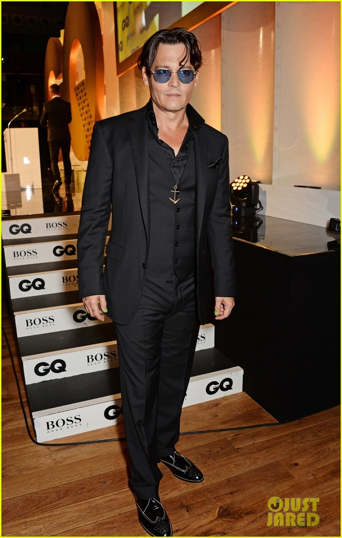 johnny-depp-presents-gq-men-of-the-year-awards-2014-05.jpg