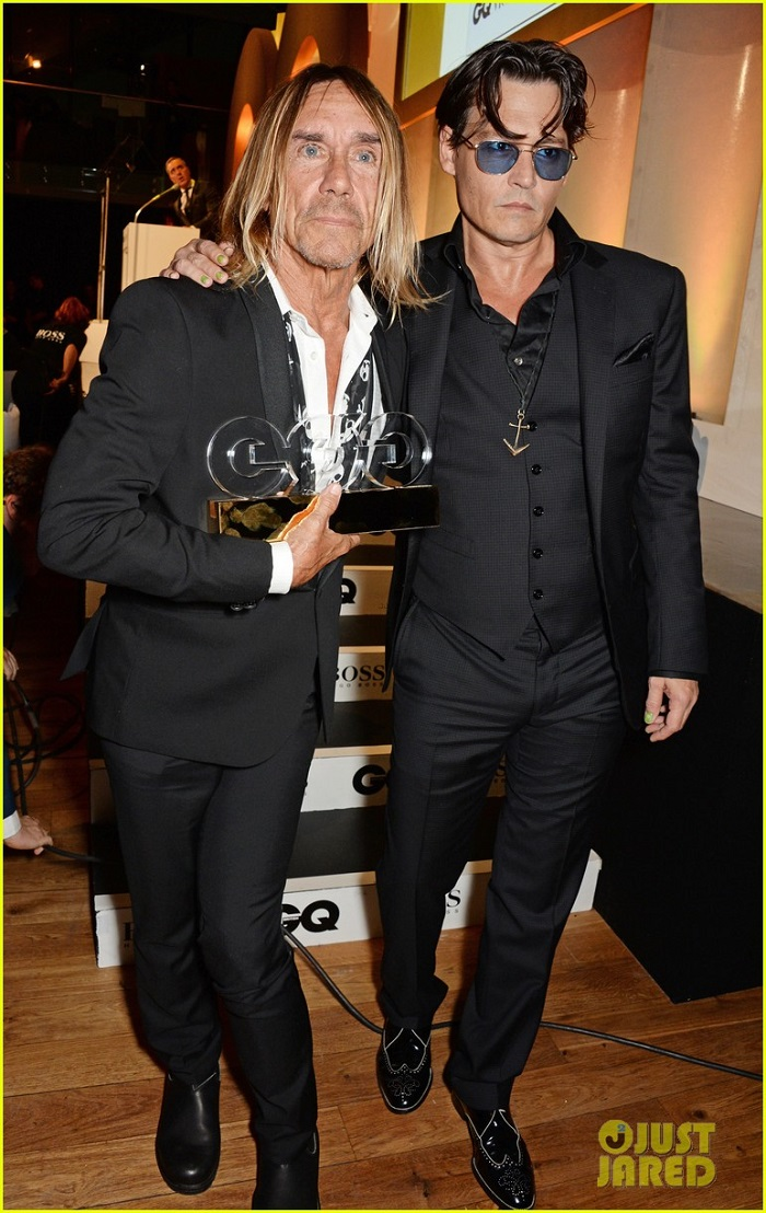 johnny-depp-presents-gq-men-of-the-year-awards-2014-06.jpg