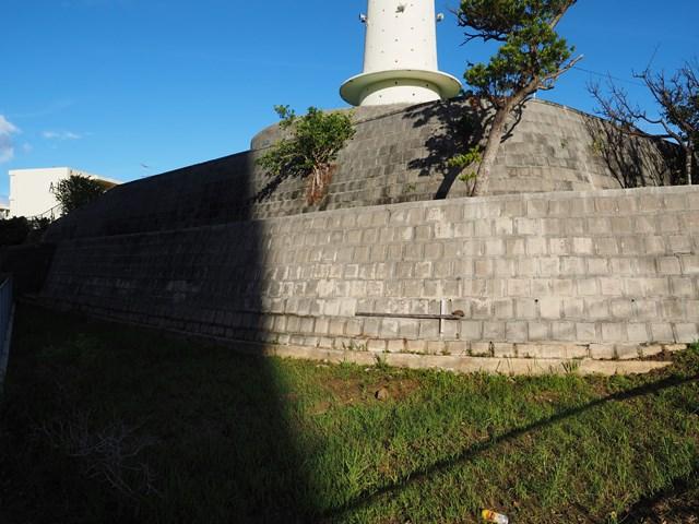 那覇市営宇栄原住宅給水塔の土台