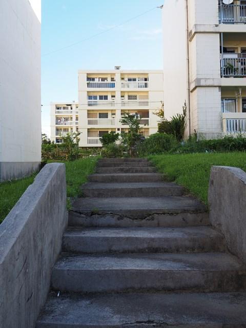 那覇市営宇栄原住宅の階段