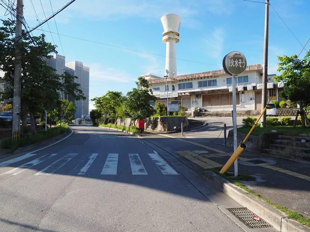 北側から見た那覇市営宇栄原住宅給水塔