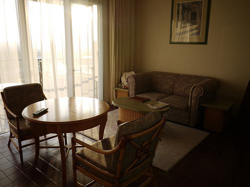 テーブルとソファ - 無料写真検索fotoq