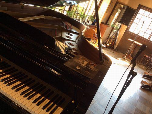 ボーカル&ピアノ&ベース