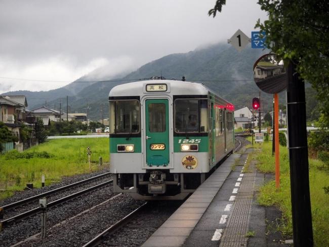 高徳線の列車