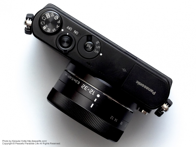 Panasonic LUMIX GM (DMC-GM1K) 上から