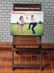 スナップ写真のカジュアルおしゃれな布製ウェルカムボード