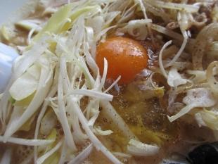 潤UNIV 豚味噌ラーメン 具 (2)