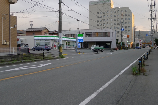 モナリザ駐車場への道02