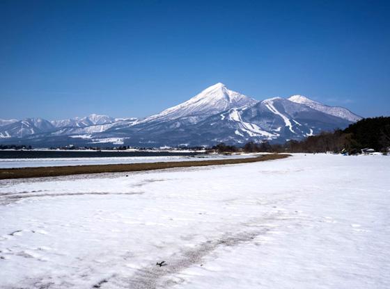 bandai_inawashiro2014.jpg
