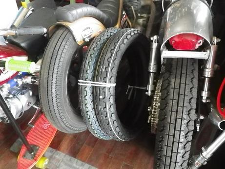タイヤ来た (3)