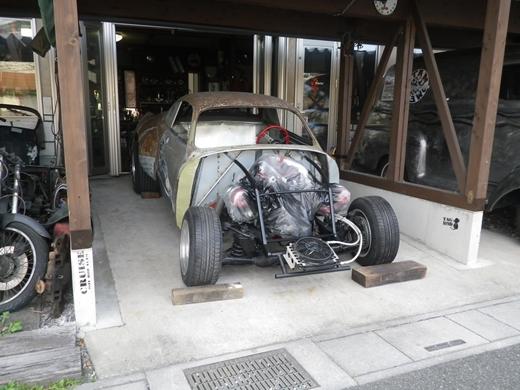 車を外に出す (3)