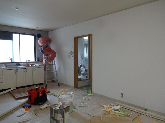 Rアパート改修~壁仕上げ中