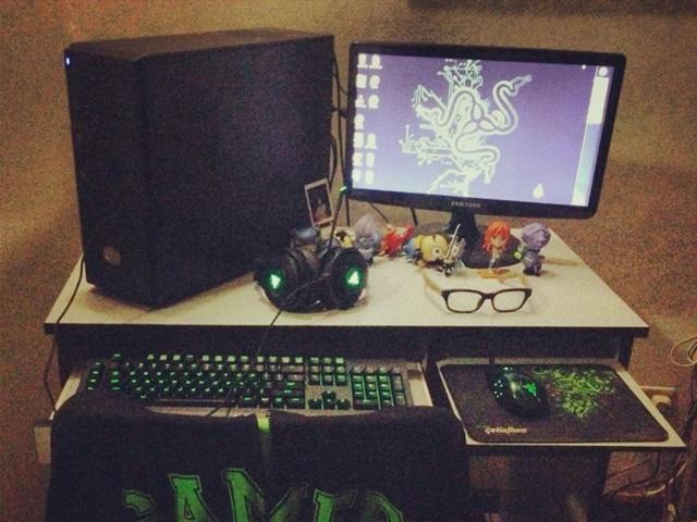 Desktop_Razer8_03.jpg