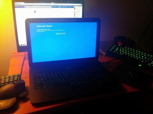 Desktop_Razer8_05.jpg