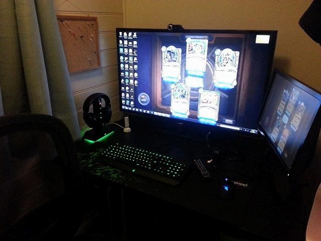 Desktop_Razer8_100.jpg