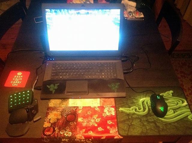 Desktop_Razer8_13.jpg