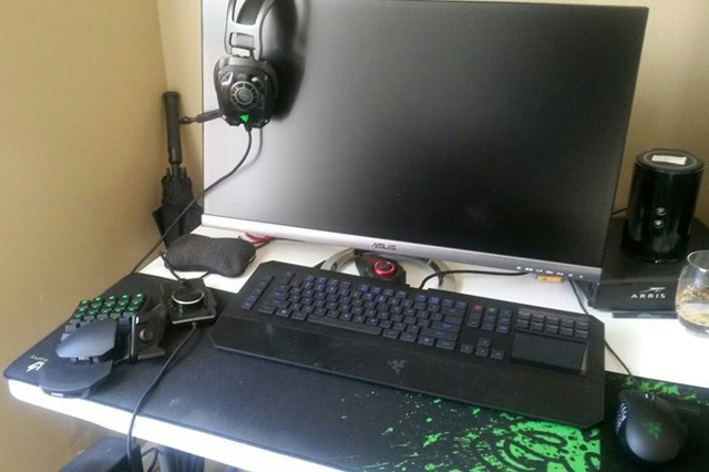 Desktop_Razer8_16.jpg
