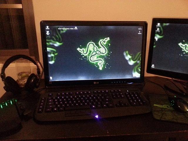 Desktop_Razer8_17.jpg