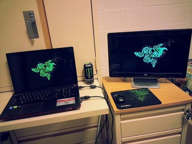 Desktop_Razer8_18.jpg