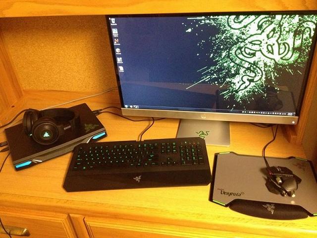 Desktop_Razer8_20.jpg