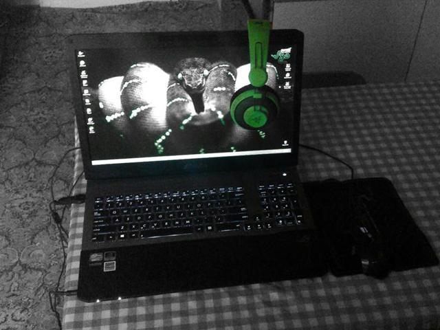 Desktop_Razer8_22.jpg