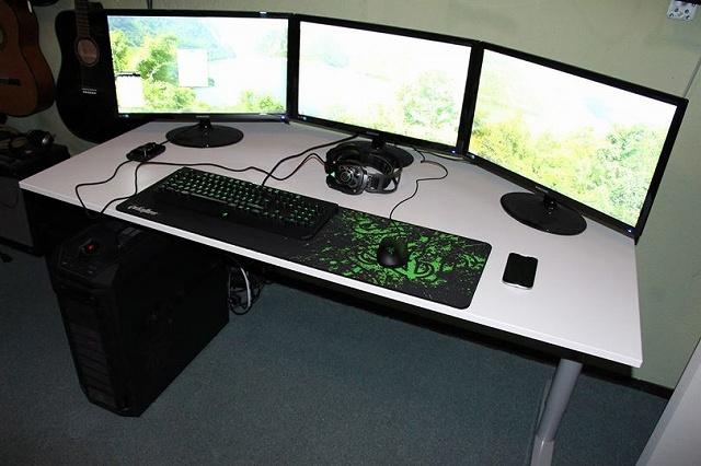 Desktop_Razer8_23.jpg