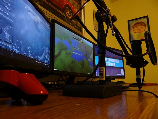 Desktop_Razer8_32.jpg