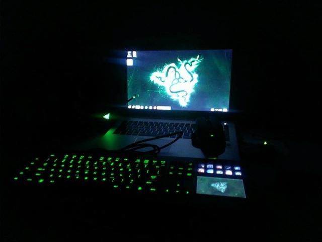 Desktop_Razer8_34.jpg