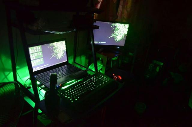 Desktop_Razer8_42.jpg