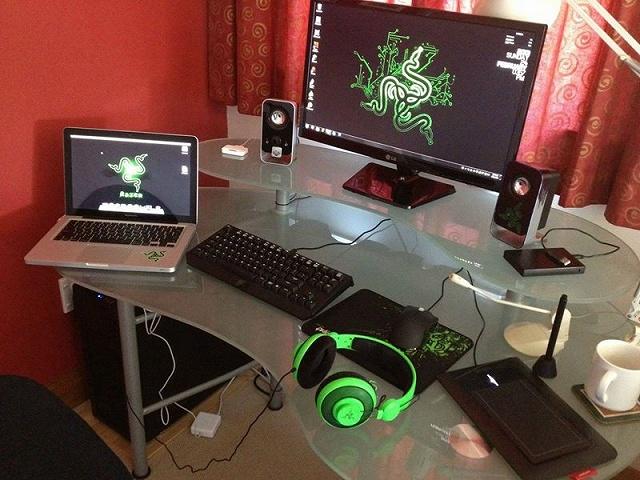 Desktop_Razer8_44.jpg