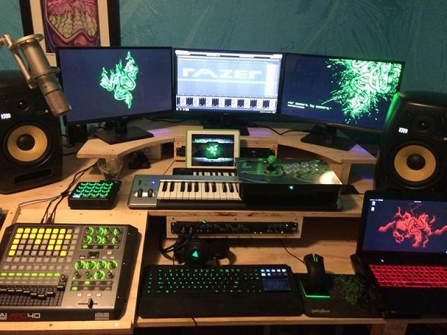 Desktop_Razer8_57.jpg